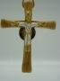 Croix bois et bronze émaillé