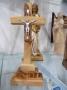 Crucifix à poser bois d'olivier